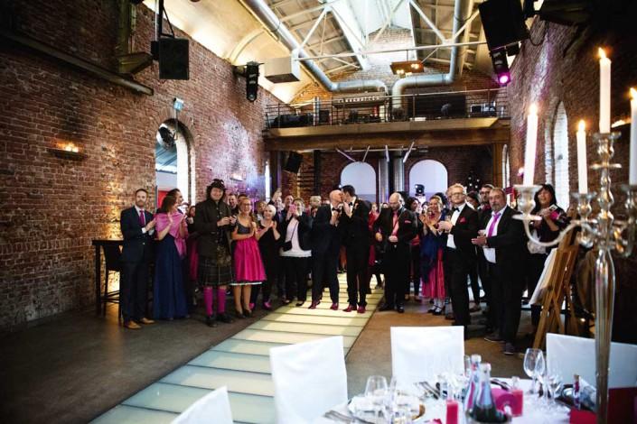 Hochzeit im Lokschuppen Bottop. Foto: Evelina Galinis